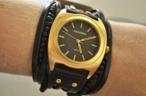 super estiloso esse Mondaine cheio de detalhes na pulseira.
