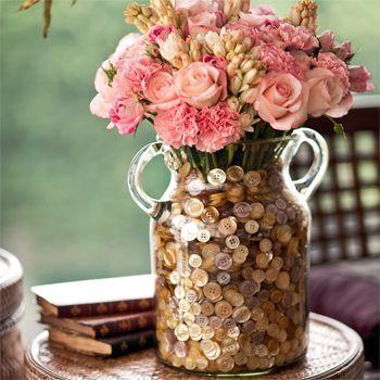 os botões ficaram super delicados nesse vaso de flores