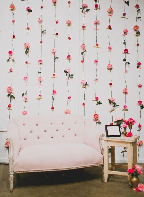 As flores também podem fazer parte da parede... aqui elas deram delicadeza ao ambiente.