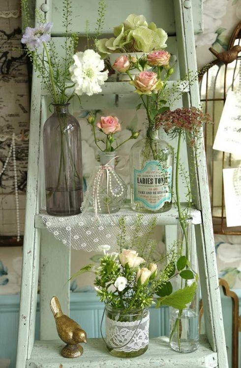 Até aquela escada antiga pode virar decoração, bastia criatividade