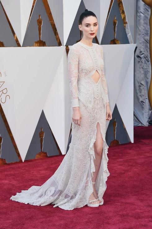 Rooney Mara em Givenchy Couture